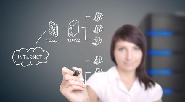 Krakowski ośrodek GE Healthcare planuje zatrudnienie m.in.: programistów, architektów oprogramowania, a także analityków systemowych oraz ekspertów z zakresu e-commerce i big data (pobieranie, przetwarzanie i analizowanie danych). Poszukiwani będą również konsultanci biznesowi i menedżerowie projektów /123RF/PICSEL