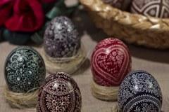 Kraszanki, pisanki, oklejanki. Wielkanocne jajo może mieć różną formę