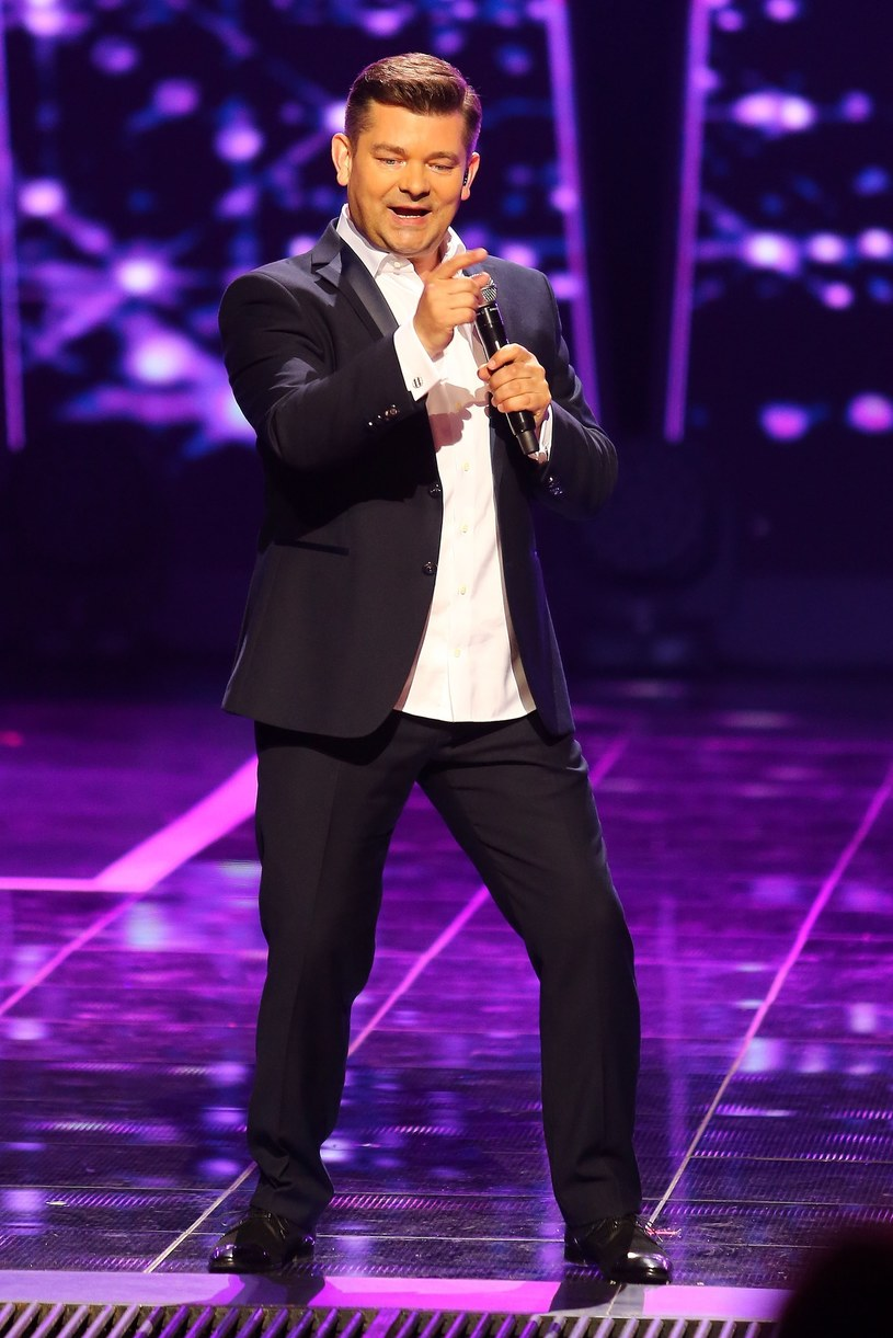 Król disco polo nie umie i nie lubi tańczyć! /East News