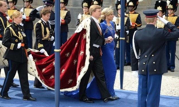 Król Wilhelm Aleksander w drodze na intronizację /AFP