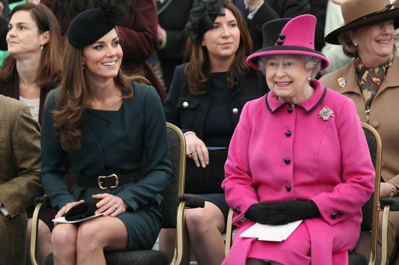Królowa Elżebieta II z księżną Catherine /Getty Images