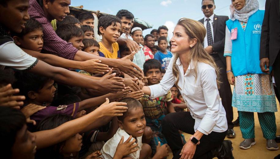 Królowa Jordanii Rania podczas odwiedzin w ośrodku dla Rohindżów w Bangladeszu /Balkis Press/Abaca /PAP/EPA