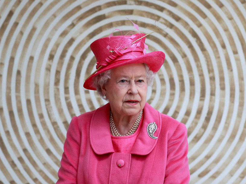 Królowa lubi jaskrawe kolory  /Getty Images/Flash Press Media