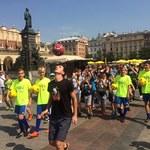 Krzysztof Golonka podjął wyzwanie RMF FM! Idąc, odbił piłkę aż 8491 razy!