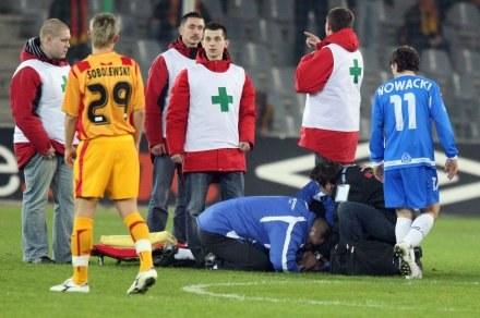 Krzysztof Nykiel mocno ucierpiał podczas meczu w Kielcach, fot: Michał Stachowiak /Agencja Przegląd Sportowy