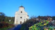 Krzywy kościół w Karwinie