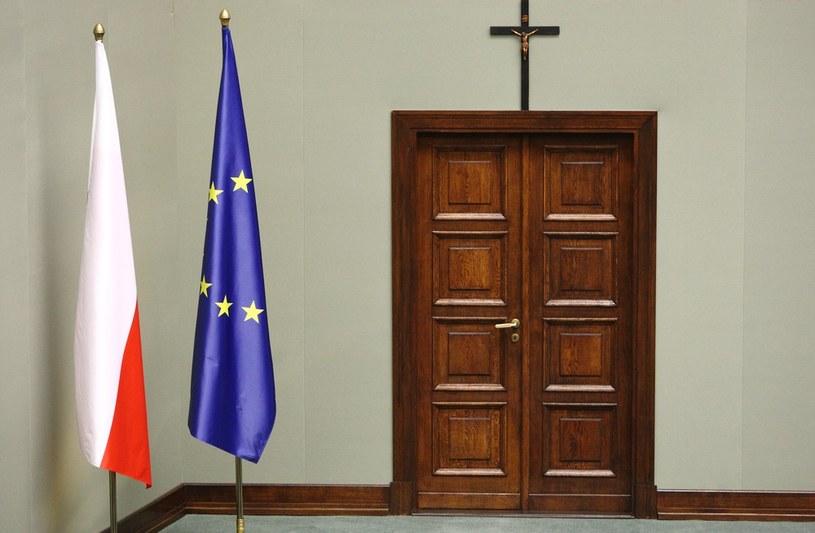 Krzyż na sali posiedzeń w Sejmie /Stanisław Kowalczuk /East News