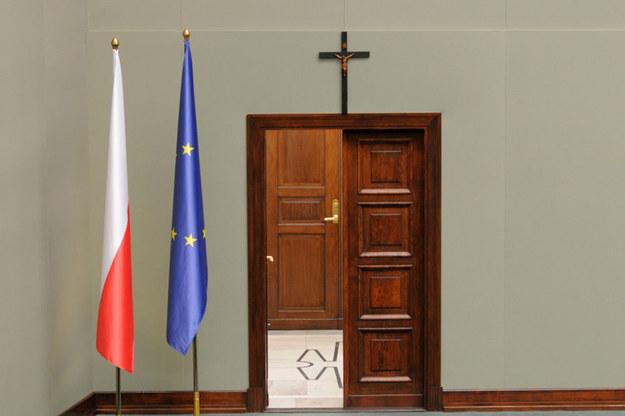 Krzyż na ścianie Sali Posiedzeń Sejmu /Adam Stępień /Reporter