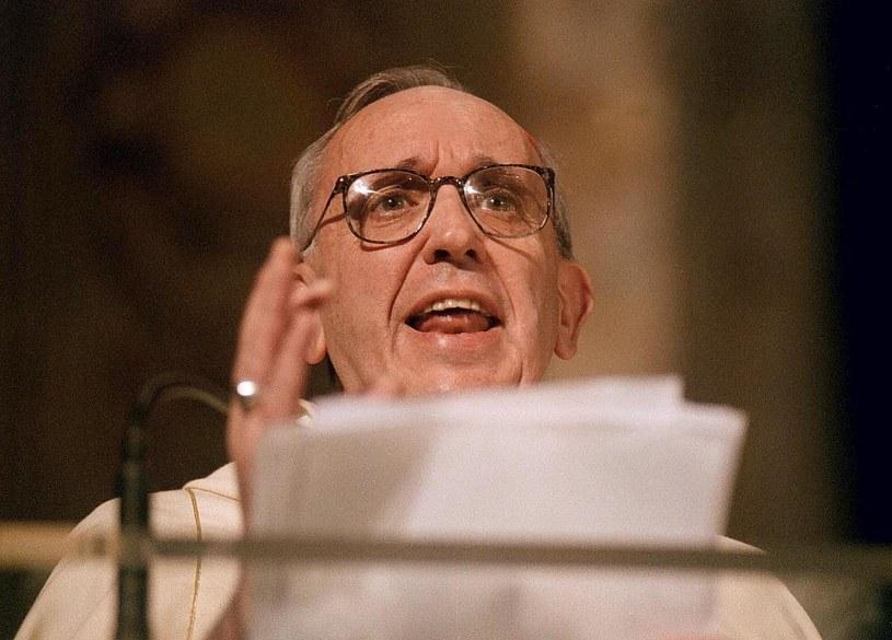 Ksiądz Bergoglio groził piekłem oprawcom z Argentyny w czasach junty /AFP