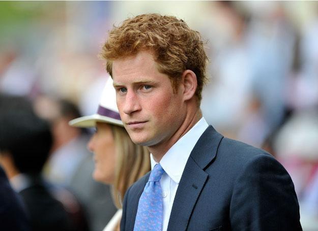 Książę Harry długo szukał swojego miejsca w rodzinie /Getty Images/Flash Press Media
