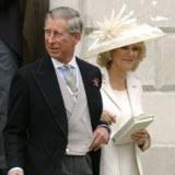 Książę Karol z małżonką, Camillą Parker Bowles /AFP