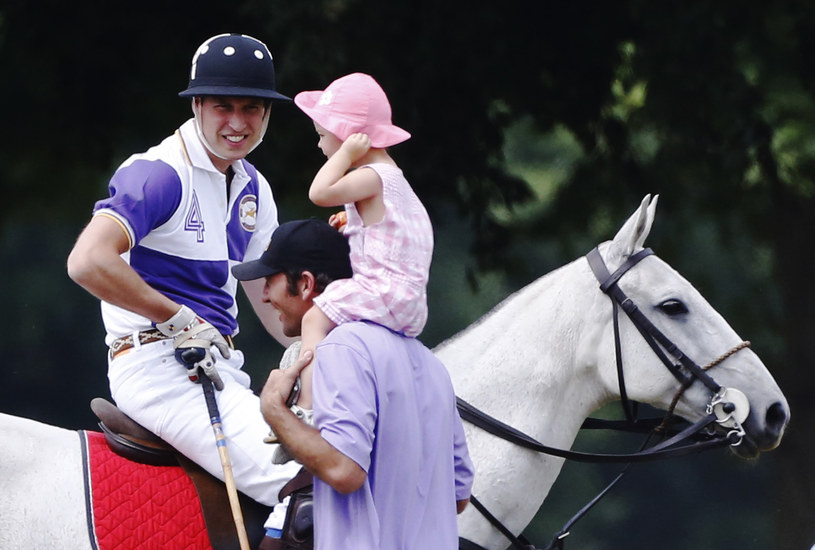 Książę William podczas gry w polo w w Cirencester /REUTERS/Luke MacGregor  /Agencja FORUM