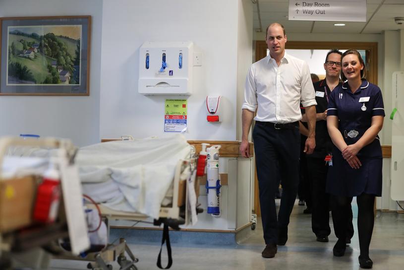 Książę William w szpitalu w Chelsea /Daniel Leal-Olivas/WPA-Pool /Agencja FORUM