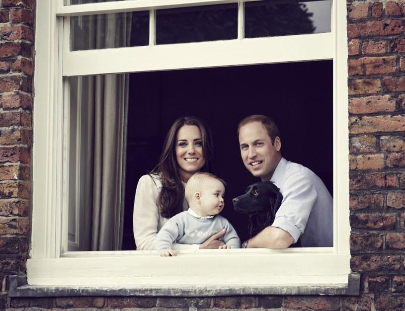 Książę William z żoną, księżną Catherine i synkiem Georgem /PAP/EPA