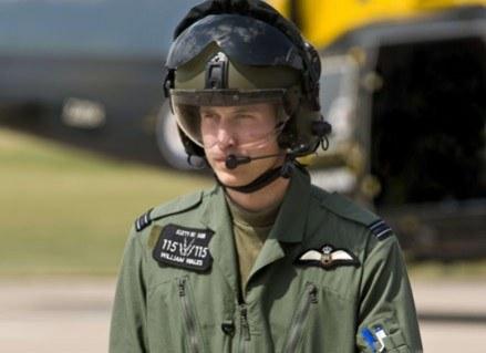Książę woli samoloty niż kobiety? /AFP