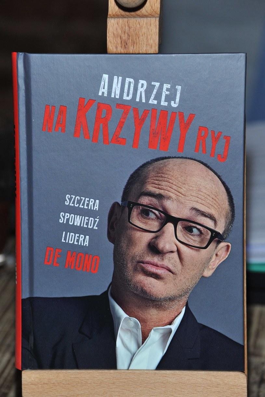 """Książka Andrzeja Krzywego """"Na Krzywy ryj"""" /Marek Ulatowski /MWMedia"""