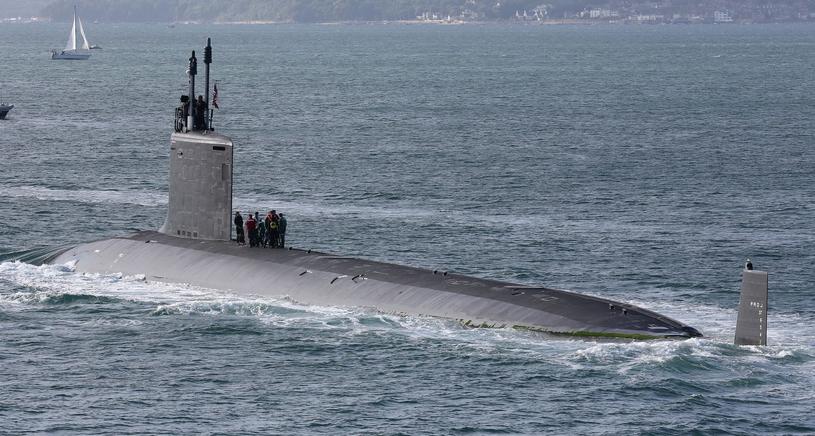 Książki Tarana Matharu czytają załogi amerykańskich okrętów podwodnych /REX/London News Pictures /East News