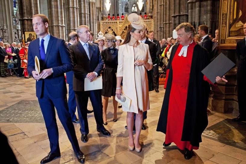 Księżna Kate cieszy się wielką popularnością u projektantów /AFP