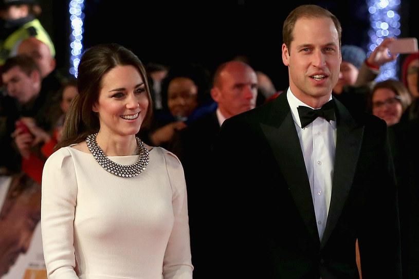 Księżna Kate jest podobno w trzecim miesiącu ciąży /Getty Images