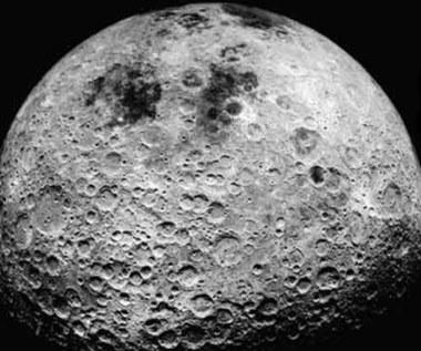 Księżycowa baza za głosy wyborców