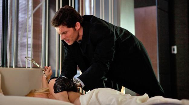 """Kto jest mordercą? James Marsden w scenie z filmu """"Loft"""" /materiały dystrybutora"""