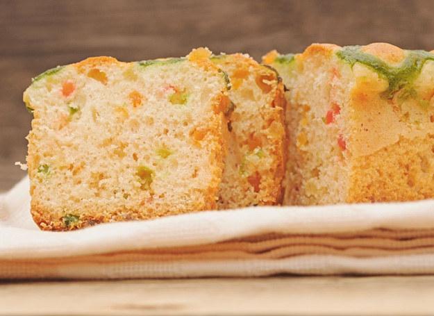 Kto nie lubi ciasta z rabarbarem? /123RF/PICSEL