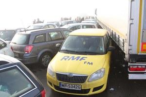 Kto płaci za naprawę aut zniszczonych w karambolu?