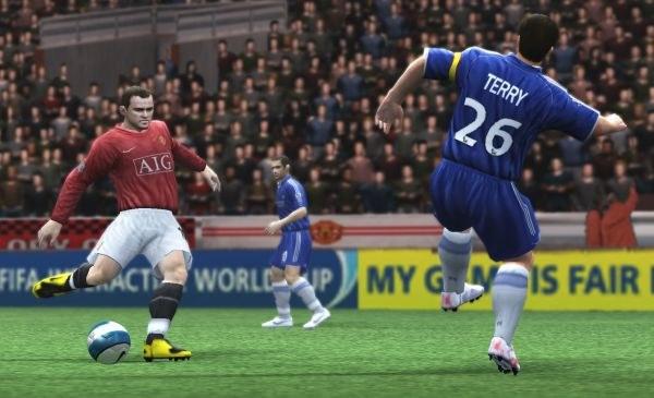 Kto w tym roku będzie lepszy? FIFA czy PES? /INTERIA.PL