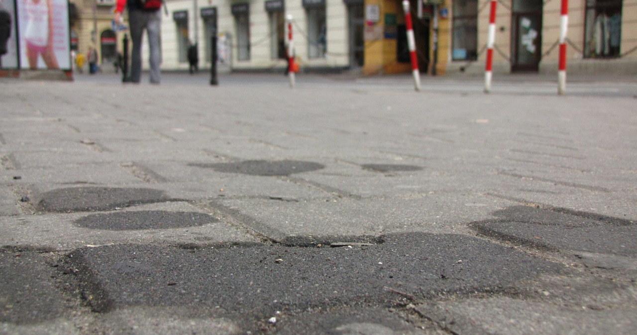 Kto wysprząta warszawskie ulice?