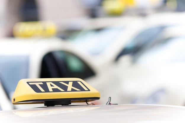 Które miasta poparły deregulację zawodu taksówkarza? /123RF/PICSEL