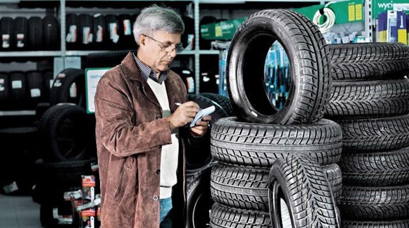 Które opony zimowe zapewniają najlepsze właściwości jezdne? /Motor