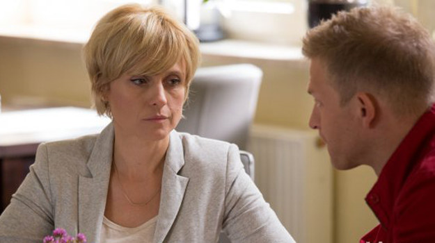 Ku zaskoczeniu Sadowskiego żona oznajmia, że mimo wszystko chciałaby dać ich małżeństwu jeszcze jedną szansę. /www.barwyszczescia.tvp.pl/