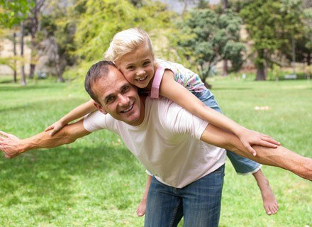 Ku zdumieniu mamy - pomysły taty często okazują się bardzo trafne /© Panthermedia