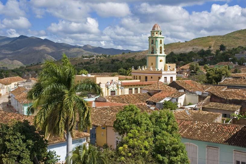 Kuba obecnie reklamowana jest jako ostatnia możliwość odwiedzenia tego kraju jeszcze w klimacie socjalizmu a la Fidel Castro /©123RF/PICSEL