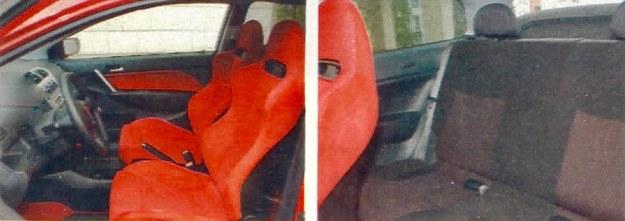 Kubełkowe fotele nie tylko świetnie podtrzymują kierowcę i pasażera podczas szybkiej jazdy, ale znakomicie wyglądają. Szara kanapa wygląda banalnie. /Motor