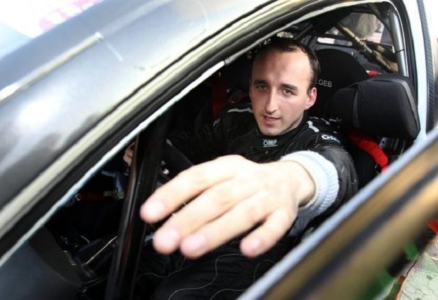 Kubica nie powinien startować w rajdach? /PAP/EPA