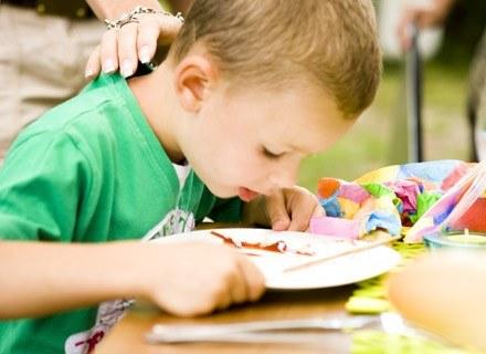 Kuchnia dziecka musi być urozmaicona, staraj się uniknąć kulinarnej monotonii /poboczem.pl
