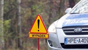 Kujawsko-pomorskie: Ciężarówka z butlami z gazem w rowie przy DK 5