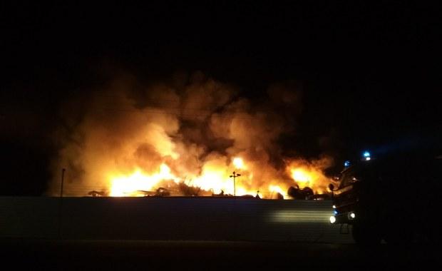 Kujawsko-Pomorskie: Zapalił się zakład rozbiórki samochodów