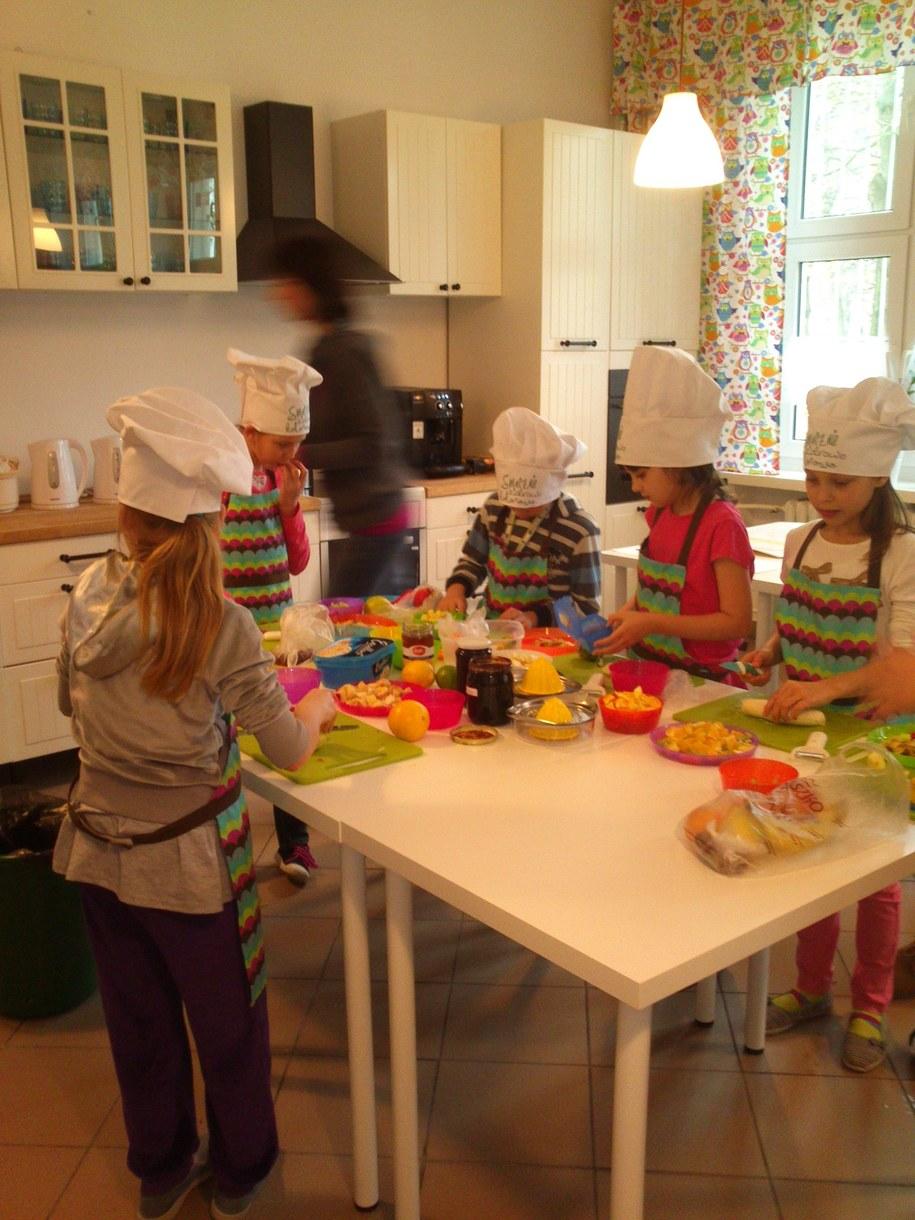 Kulinarne zajęcia odbywają się nie tylko w porze śniadaniowej, ale również po południu /Anna Kropaczek /RMF FM