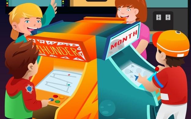 Kultowe tytuły z automatów w zaciszu domowych - czy można chcieć czegoś więcej? /123RF/PICSEL