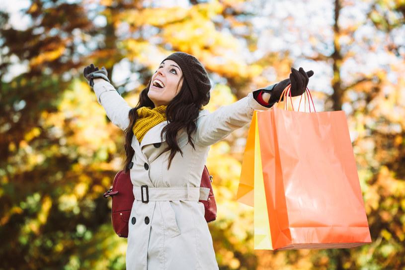 Kupno ubrań jesienno-zimowych najlepiej zacząć w styczniu lub lutym /123RF/PICSEL