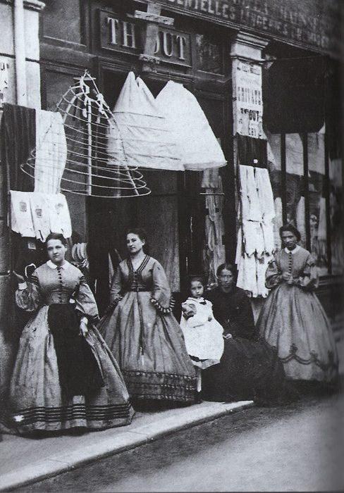 Kupowanie krynoliny /Agnieszka Lisak – blog historyczno-obyczajowy
