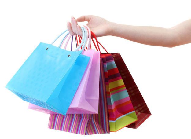 Kupowanie prezentów to kłopot /123RF/PICSEL