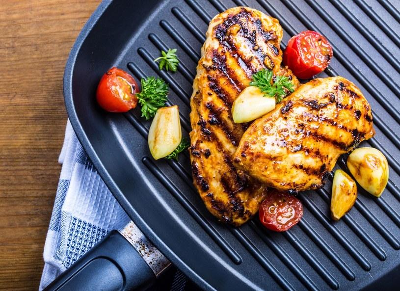 Kurczak cytrynowy z farszem serowym /Picsel /123RF/PICSEL