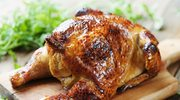 Kurczak na ostro ze złocistymi ziemniaczkami