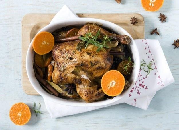 Kurczak Zagrodowy z mandarynkami /123RF/PICSEL
