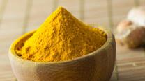 Kurkuma, przyprawa o charakterystycznej żółto-pomarańczowej barwie. Jakie ma właściwości?