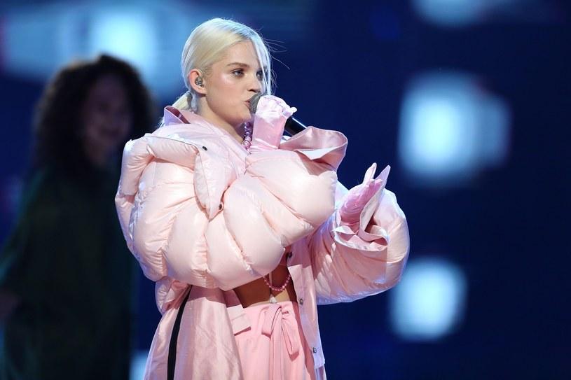Kurtka puchowa szybo przedostała się z himalajskich szczytów do świata mody /East News