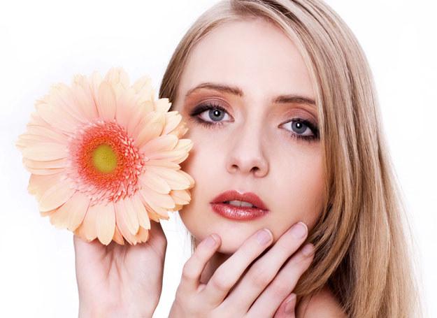 Kwiaty nie tylko pięknie pachną, ale też zawierają składniki cenne dla urody /© Panthermedia